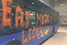 DBUSeko autobus batek pairatu duen erasoa gaitzetsi du Donostiako Udalak